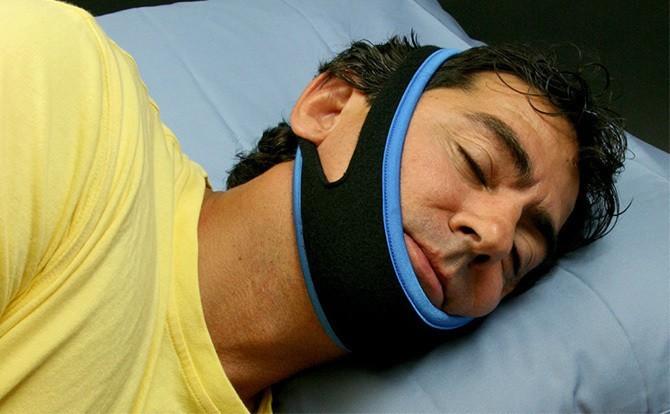 opaska przeciw chrapaniu Snoril jak zakładać